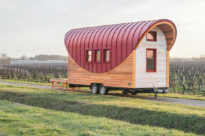 Tiny house cintrée rouge oxyde