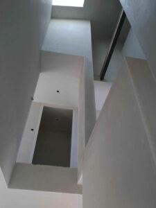 cage d'éscalier en plâtre
