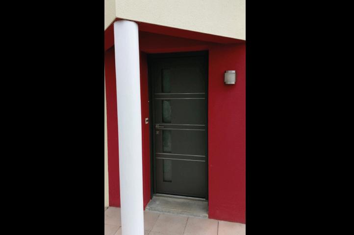 rénovation-dépose-totale-porte-d'entrée-modèle-QUADRIGE